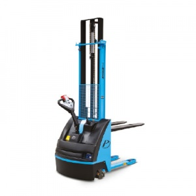 1.1  Apilador Traccionario PX12 1.200kg. Capacidad de carga